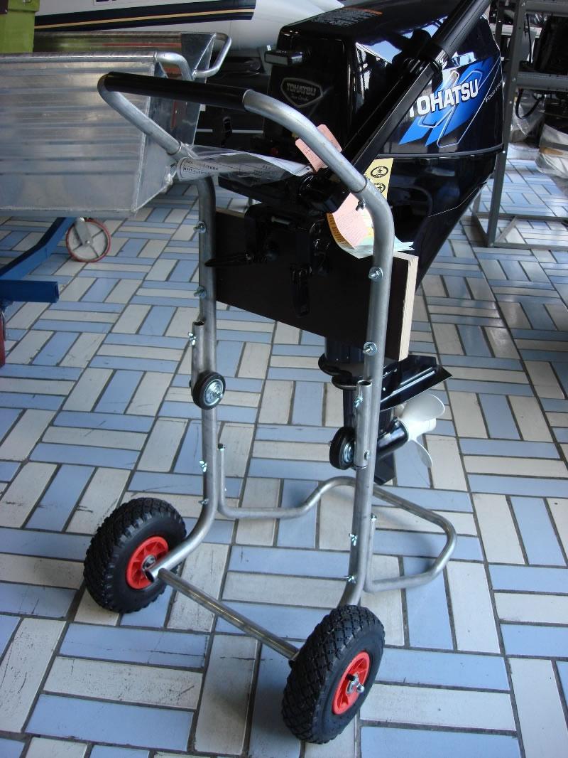 колеса для перевозки лодочного мотора
